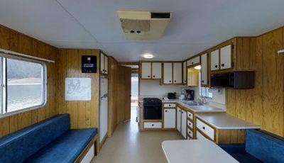 Bridge Bay Houseboat: Cascade 3D Model