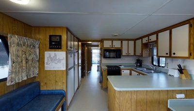 Bridge Bay Houseboat: Grand Sierra EX 3D Model