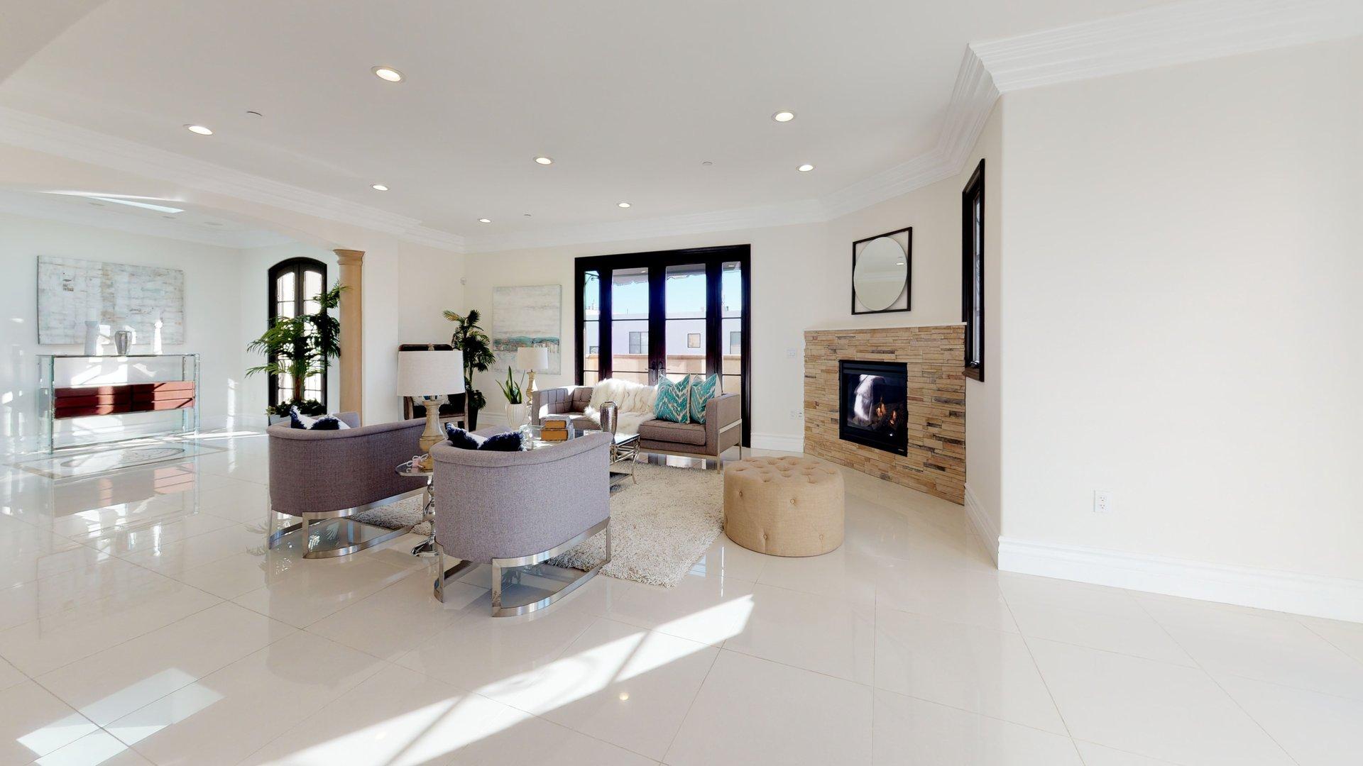 462 S Maple Drive Penthouse